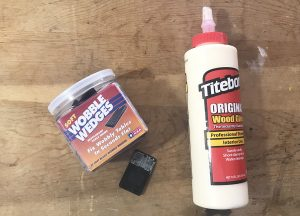 Spread wood glue