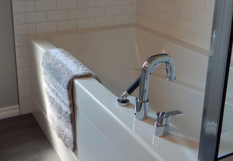 Installing a bathtub
